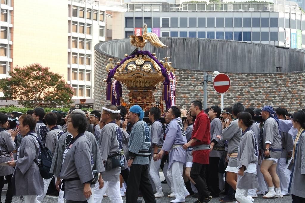 熊野神社例大祭2018年9月16日、明治安田生命、新宿西口バスターミナル周辺