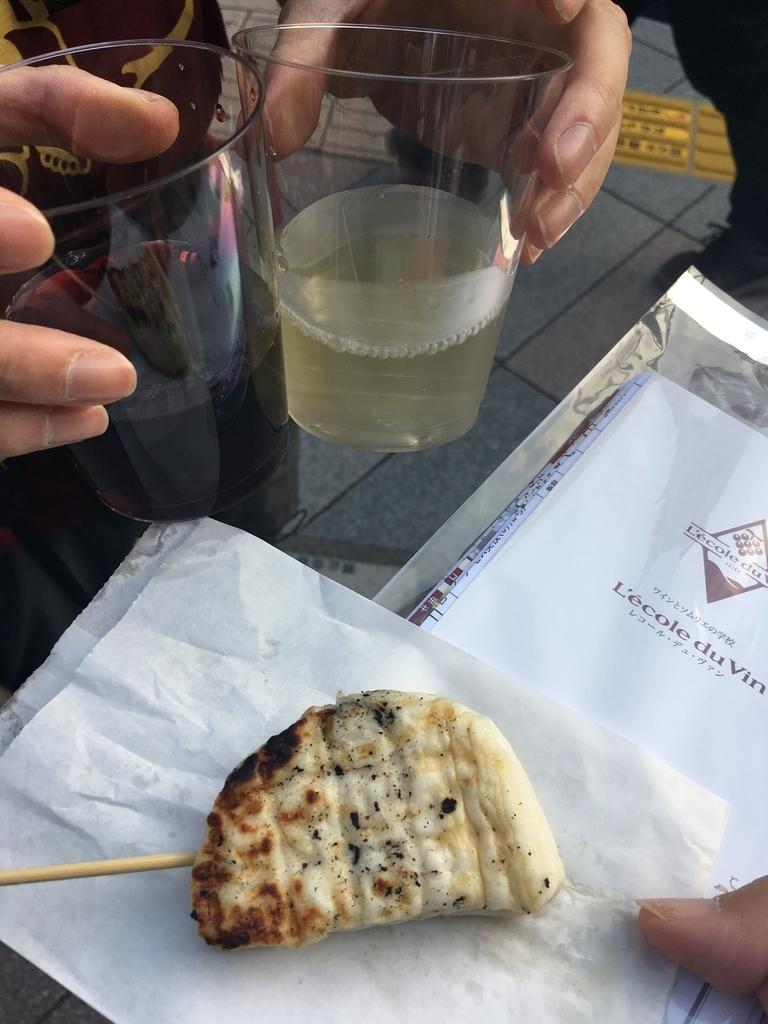 熊野神社例大祭(新宿)2018、モア4番街の御神輿&屋台でワイン&焼きチーズ