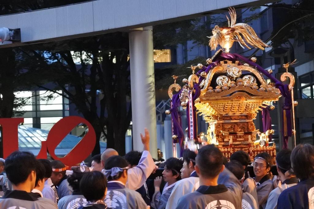 熊野神社例大祭2018年9月16日、新宿駅西口・大ガード周辺
