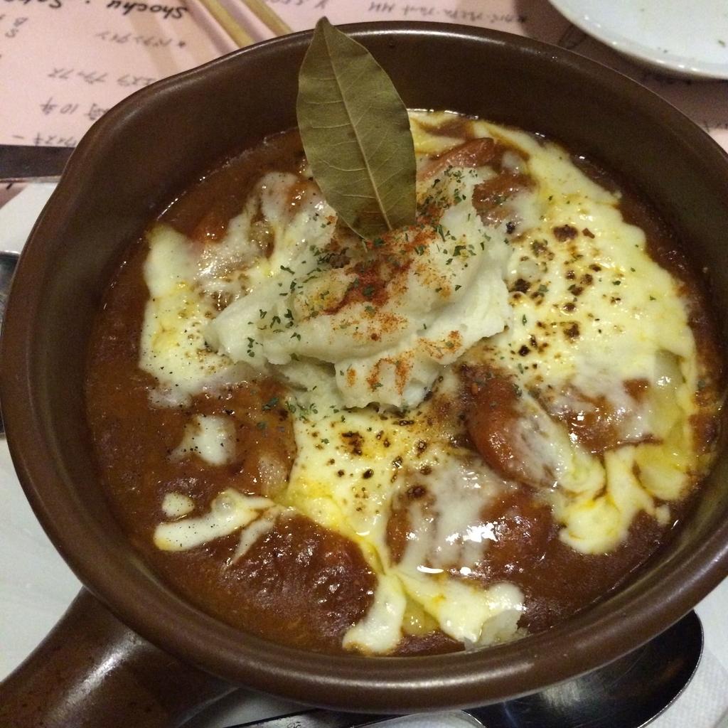 「サラダニース 西新宿6丁目店」の夜メニュー(肉料理)