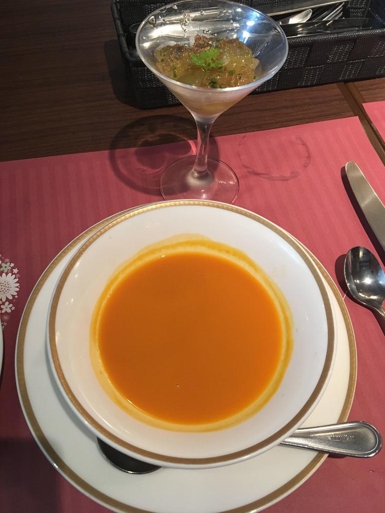 サンマルクレストラン 新宿(小田急ハルク内にある、ベーカリーレストラン)のスープとアミューズ