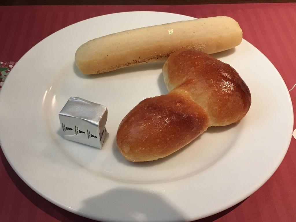 サンマルクレストラン 新宿(小田急ハルク内にある、ベーカリーレストラン)、パン食べ放題のパン