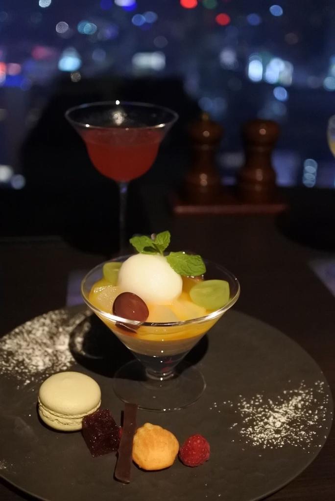 スカイラウンジオーロラ(西新宿・京王プラザホテル)のデザート