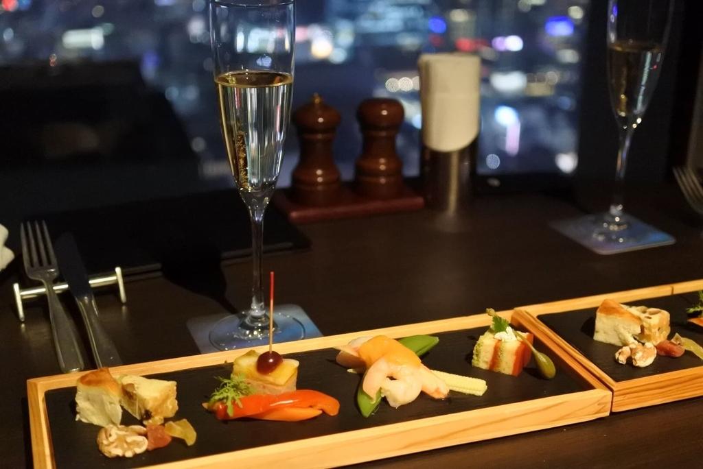スカイラウンジオーロラ(西新宿・オーロラ)、ディナーコースの前菜