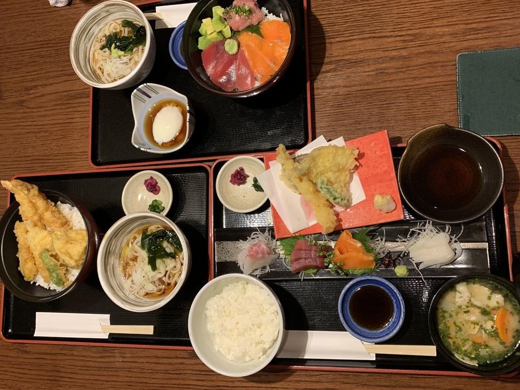 入母屋 新宿エルタワー店(西新宿)のランチメニュー3種類を並べたところ