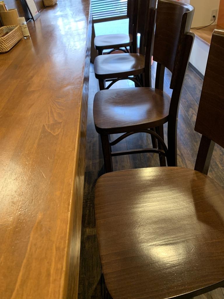 「初台スパイス食堂 和魂印才たんどーる 」(西新宿四丁目)のカウンター席