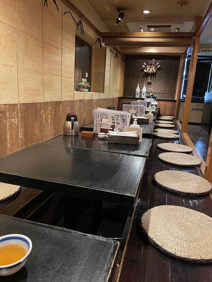 【西新宿】「一滴八銭屋 新宿本店」の座敷席