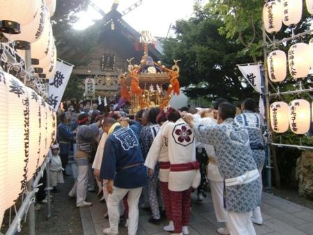 宮入(担ぎ神輿)