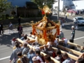 担ぎ神輿(神社前)