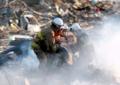 消防隊による被災地での救助活動