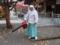 ブロワを使った清掃風景