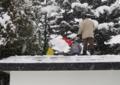 平成23年 神力會による煤払い(車庫屋根の除雪)