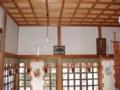 拝殿内南側壁面