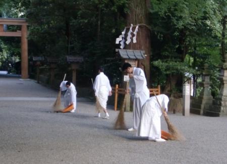 第58回神道行法錬成研修会(朝掃除)