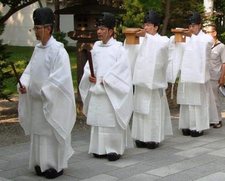 浄衣を着装した神職 浄衣を着装した神職 20121115  個別「浄衣を着装した神職」の写真、画