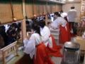 西野神社の女性助勤者(平成23年正月)