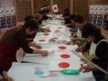 敬神婦人会による国旗小旗作成作業