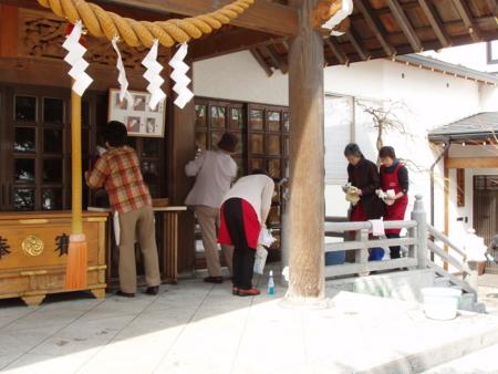 平成26年4月 西野神社敬神婦人会 境内清掃奉仕
