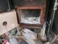 平成26年12月 西野神社境内での焼却炉内清掃
