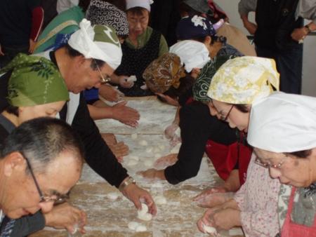 平成27年1月 西野神社 餅つき(福井記念館)