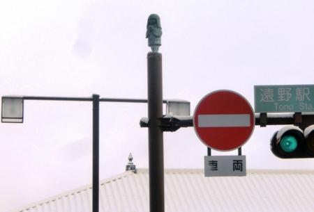 遠野駅前のザシキワラシ