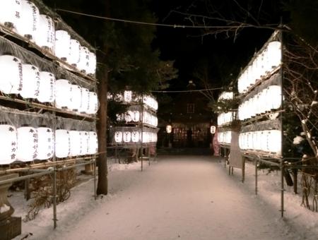 平成29年末の西野神社お正月準備(照明関係設営)