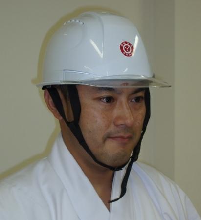 西野神社「身体安全ステッカー」 ヘルメット貼り付け例