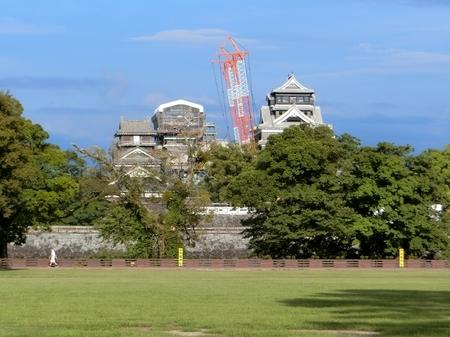 修復・復元工事が進む熊本城天守閣