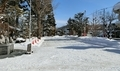 西野神社授与所窓口から見た、西野神社の雪景色