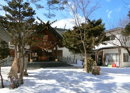 令和2年3月17日の西野神社境内の景色