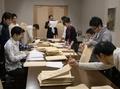 青年神職文月会 活動 (平成22年11月 カレンダー贈呈発送作業)