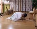 西野神社で御祈祷する神職