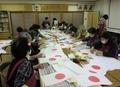 西野神社敬神婦人会による国旗小旗奉製作業