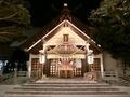 西野神社の拝殿正面(ライトアップ)