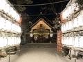 令和2年末の西野神社 参道と奉納提灯
