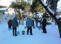 令和2年大晦日の西野神社 アイスキャンドル作成