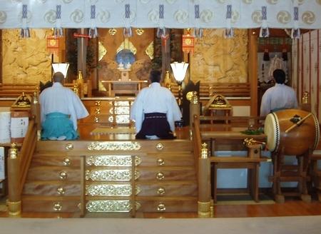 西野神社神職による朝拝