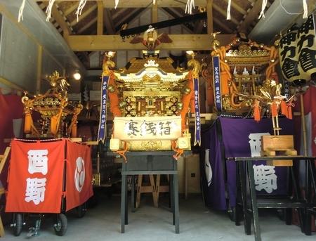 西野神社の御神輿3基