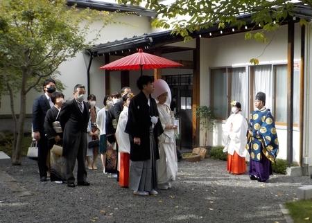 令和3年10月 神前結婚式での参進