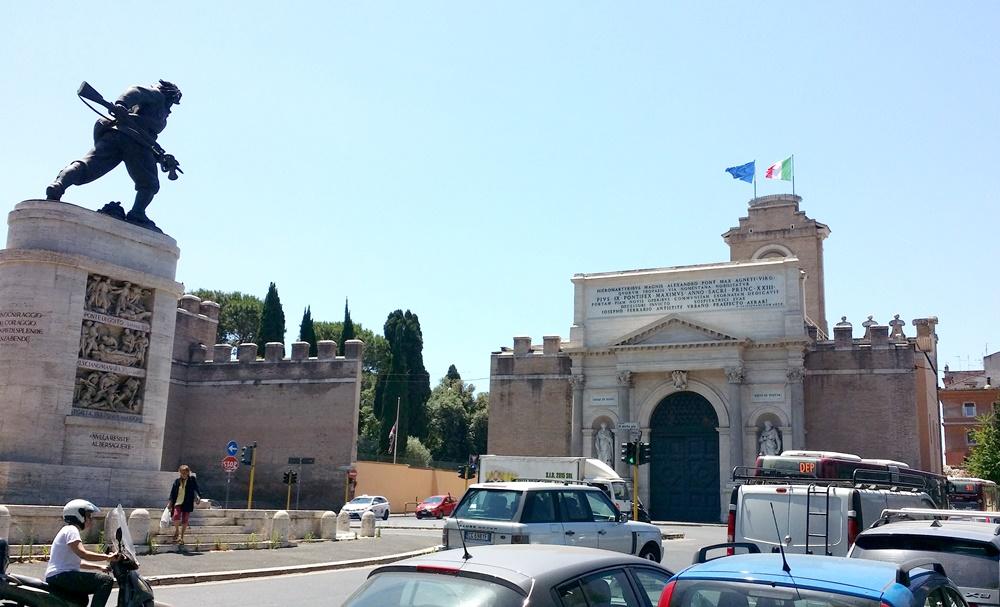 ローマのピア門