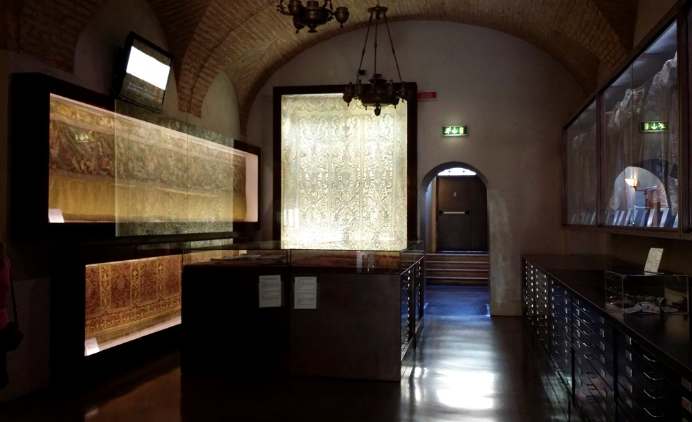 ローマのシナゴーグの地下