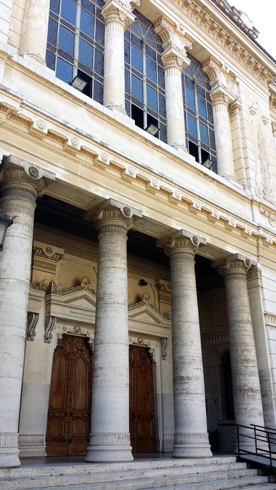 ローマのシナゴーグのエントランス