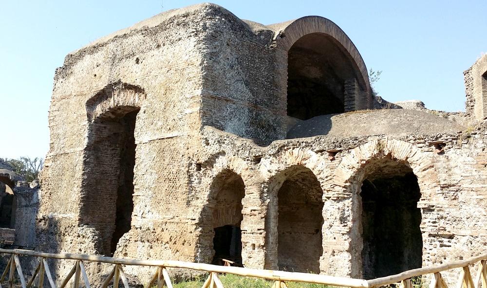 ヴィッラ・アドリアーナの大浴場