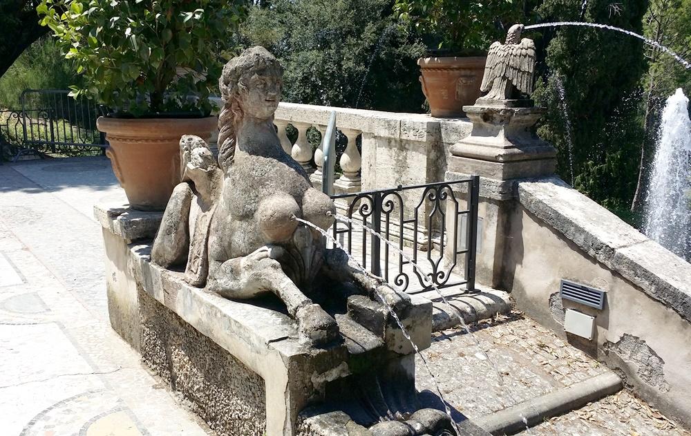 ヴィッラ・デステの変な噴水