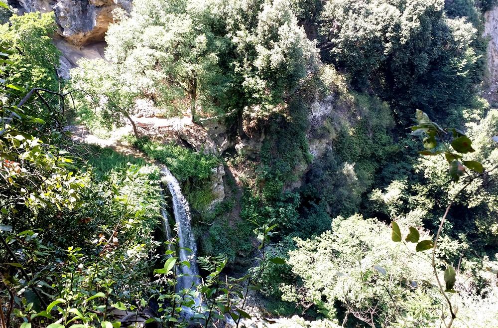 グレゴリウス法王の別荘の滝