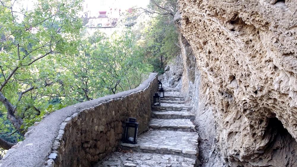 グレゴリウス法王の別荘の階段