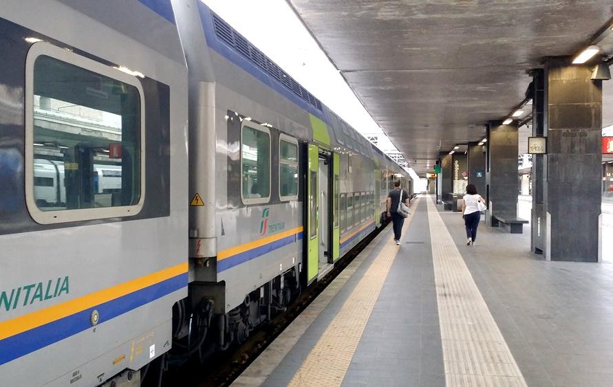 テッラチーナへの電車