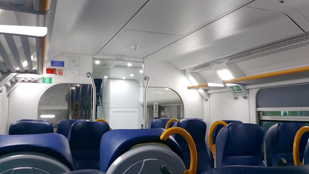 テッラチーナへの電車内部