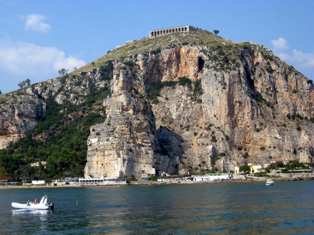 テッラチーナのユピテル神殿