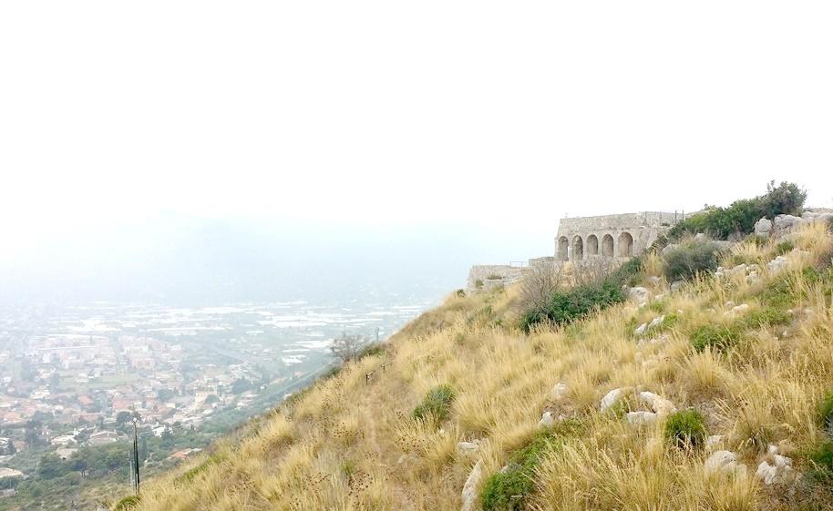 ユピテル神殿の望むテッラチーナ